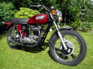 Triumph-tr6-rv1